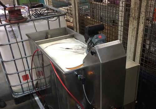 Der Friess Skimmtelligent erhöht signifikant die Lebensdauer von Emulsionen und Waschwasser
