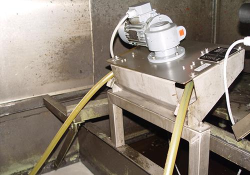 Friess Ölskimmer sind aus robustem Edelstahl gefertigt