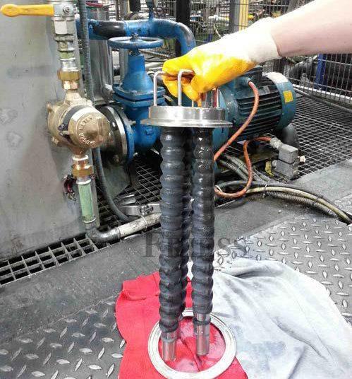 Magnetfilter mit schmutzigen Stäben